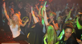 131109_winter_dance_festival_muetze_katze_dj_team_014