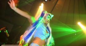 131109_winter_dance_festival_muetze_katze_dj_team_020