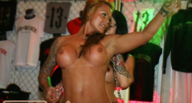 140704_hamburg_harley_days_dollhouse_045
