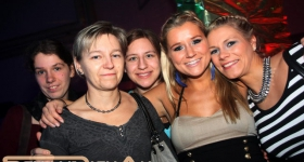 150102_bluelightparty_huehnerposten_018