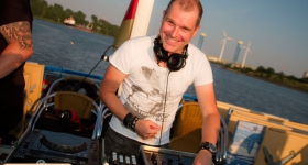 150822_sunset_boat_party_018