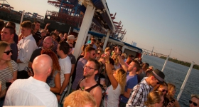 150822_sunset_boat_party_019