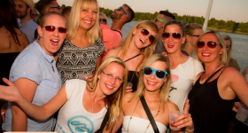 150822_sunset_boat_party_023