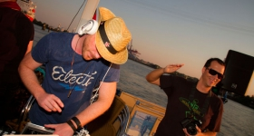 150822_sunset_boat_party_038