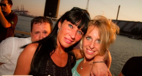 150822_sunset_boat_party_039
