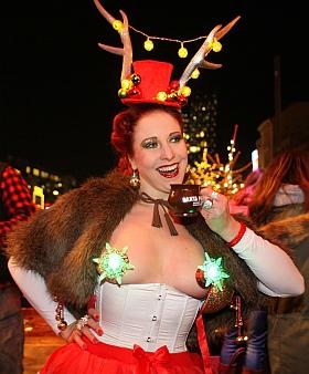 Santa Pauli Hamburgs geilster Weihnachtsmarkt Eve Champagne