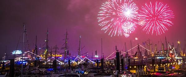 Feuerwerk Hafengeburtstag Hamburg 2015