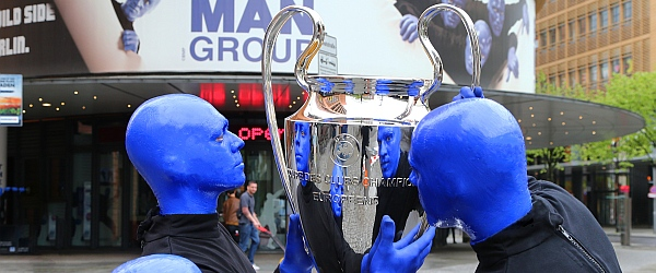 Blue Man Group UEFA Champions Festival 2015 Berlin
