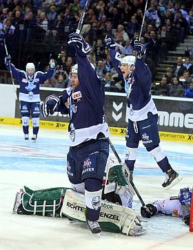 Hamburg Freezers Augsburg Panther Eishockey DEL 2016