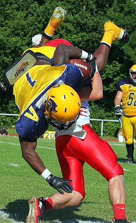 Elmshorn Fighting Pirates Lübeck Cougars GFL American Football 2018