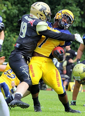 Elmshorn Fighting Pirates Paderborn Dolphins GFL American Football 2018