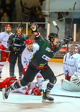 Crocodiles Hamburg Hannover Scorpions Eishockey 2018